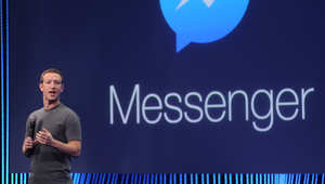 الرئيس التنفيذي لشركة فيسبوك مارك زوكربيرج يقدم منصة مسنجر الجديدة