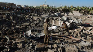 """آثار الغارات في عملية """"عاصفة الحزم"""" على مواقع الحوثيين في صنعاء"""