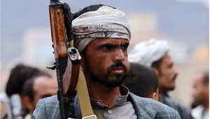 أحد رجال القبائل اليمنية من الموالين للحوثي في مظاهرة تأييد بعد عاصفة الحزم ، 26 مارس/ آذار 2015