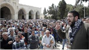 فلسطينيون يتظاهرون في المسجد الأقصى تأييد لعاصفة الحزم ، 27 مارس/ آذار 2015