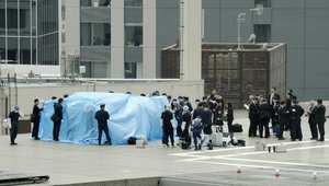 الشرطة تتفحص طائرة بدون طيار هبطت على مكتب رئيس الوزراء 22 أبريل/ نيسان 2015