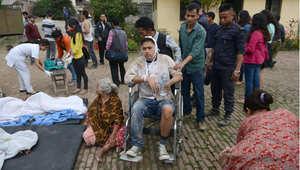 عمليات إسعاف المصابين ، كاتمانودو 25 أبريل/ نيسان 2015