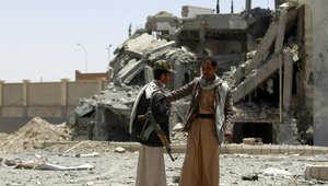 عنصران من مليشيات الحوثي في مقر قائد عسكري بصنعاء دمر بغارة جوية