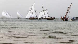 """سباق بالقوارب التراثية المعروفة بـ""""البوم"""""""