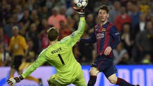 مهاجم برشلونة ليونيل ميسي يسجل هدفا ضد بايرن ميونخ خلال مباراة لكرة القدم في دوري أبطال أوروبا