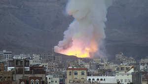 غارة لطيران التحالف بقيادة السعودية على موقع في جبل نجوم بالعاصمة صنعاء 11 مايو/ أيار 2015