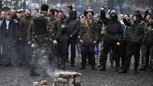 اختفاء الرئيس الأوكراني من قصوره والبرلمان ينتصر للمعارضة