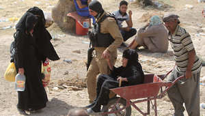 عراقيون فارون من الرمادي بعد سيطرة تنظيم داعش على المدينة، 22 مايو/ أيار 2015