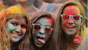 احتفالات الهندوس بمهرجان الألوان في إسبانيا
