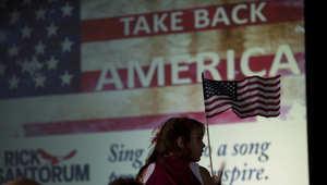 أنصار السناتور الأمريكي السابق ريك سانتوروم يستمعون له أثناء اعلانه سعيه للفوز بترشيح الحزب الجمهوري لانتخابات الرئاسة 2016