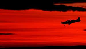 طائرة تابعة للقوات الأسترالية تبحث عن الطائرة الماليزية المفقودة