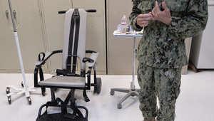 """ممرض بالبحرية الأمريكية يرفض إجراء عملية """"إطعام إجباري"""" لمعتقل بغوانتانامو"""