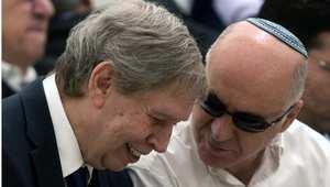 """رئيس الموساد الإسرائيلي تامر باردو (يسار) ورئيس جهاز الأمن الداخلي """"شين بيت"""" يورام كوهين (يمين)"""