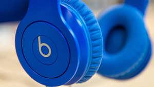 """دراسة: الموسيقى تعطيك قوة """"خارقة"""" في مكان العمل"""