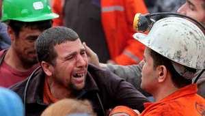 تركيا: أكثر من 245 قتيلا بانفجار منجم للفحم وجهود لضخ هواء إلى المحاصرين