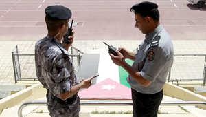 """الأردن: جدل قانوني حول """"الشرعي والمدني"""" بعد توقيف صحفية مرموقة بقضية حضانة """"لابنتها"""""""