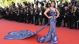 شاهد فستان ممثلة هندية أذهل الجميع بمهرجان