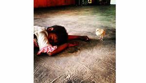 أطفال الشوارع في  الهند .. وجوه تروي قصصاً تشيب لها رؤوس يافعة