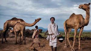 """من المغرب إلى تنزانيا .. شاهدوا كيف يحمي """"حراس الأرض"""" من المزارعين ثروات الطبيعة"""
