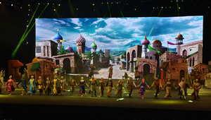 """الفرقة الراقصة تؤدي إحدى اللوحات في """"الفارس""""."""