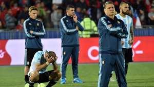 الوجوم بدا واضحا على وجوه أفراد الطاقم الفني للمنتخب الأرجنتيني بعد نهاية المباراة.