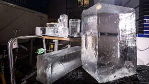 """بالصور.. سيارة ليكزس NX تسير على """"عجلات جليدية"""""""