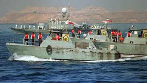 """مصدر إيراني لـ""""فارس"""": السفينة المحتجزة أمريكية ترفع علم جزر المارشال ولها خلاف مالي مع دائرة الموانئ بإيران"""