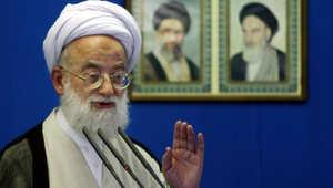 محمد إمامي كاشاني خلال خطبة الجمعة بجامعة طهران 2004