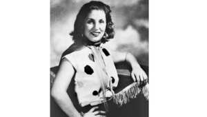 الفنانة صباح في صورة التقطت لها عام 1950 في بداية انطلاقتها الفنية في القاهرة