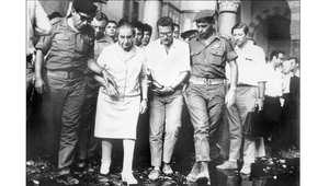 رئيسة وزراء إسرائيل غولدا مائير تزور المسجد الأقصى 1969