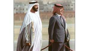الشيخ زايد بن سلطان حاكم الإمارات الراحل مع العاهل الأردني الراحل الملك حسين بن طلال خلال زيارة الشيخ زايد إلى عمان 7 نوفمبر/ تشرين الثاني 1987