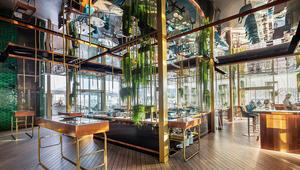 هذا المطعم في بلد عربي هو من بين الأجمل في العالم.. هل تعرف أين يقع؟