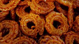 المقروط والفيلالية وكعب الغزال والفقاس..هذه أشهر الحلويات الشعبية الرمضانية في المغرب
