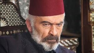 الممثل سلوم حداد بدور أبو العز، زعيم حارة العمارة.