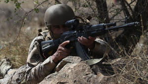 بالصور.. تدريبات عسكرية سعودية فرنسية على العمليات الجبلية