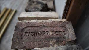 بالصور.. إنقاذ تحفة هندسية من آثار حريق مدمر