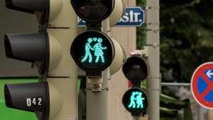 """إشارات ضوئية لدعم """"المثلية الجنسية"""" في ألمانيا"""
