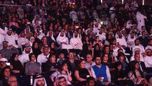 الشيخ محمد بن راشد آل مكتوم، حاكم إمارة دبي، خلال حضوره عرض المسرحية.