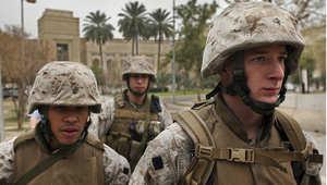 أرشيف - جنود أمريكيون من مشاة البحرية يحرسون السفارة الأمريكية في بغداد 2007