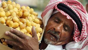 """بين الخبز الفرنسي والتمور المغطاة بالمكسرات والشوكولاته..هل تطمح """"بتيل"""" السعودية إلى العالمية؟"""
