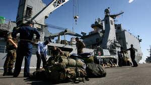 مسؤول أمريكي لـCNN: بارجتان في البحر الأحمر استعدادا لإخلاء السفارة الأمريكية باليمن إذا صدر الأمر بذلك