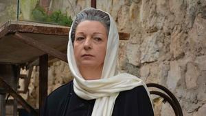 تشارك الممثلة ندين خوري في المسلسل بدور والدة أبو حوا.