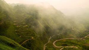 """لوحة أم حقيقة؟ جمال طبيعة خيالي في هذه المنطقة """"غير المكتشفة"""" في الصين"""