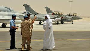 أرشيف - ضباط إماراتيون في قاعدة جوية عسكرية قرب أبو ظبي، 2009