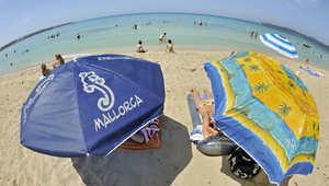 """جزيرة مالوركا الإسبانية تحظر ارتداء """"البكيني"""" في الأماكن العامة"""