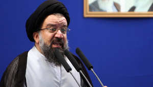 أحمد خاتمي في إحدى خطب الجمعة