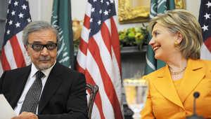 سيناتور أمريكي: حرب على المرأة بالسعودية وعلى كلينتون إعادة تبرعات المملكة لمؤسستها