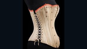 الق نظرة على تاريخ الملابس الداخلية عبر العصور