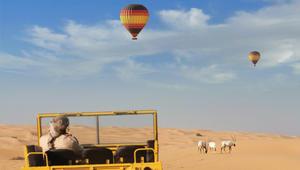 لؤلؤ ولقيمات وصقور.. هكذا تمزج الإمارات بين التراث والرفاهية!