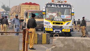 نقطة تفتيش عسكرية في لاهور